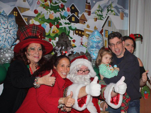 Santa-with-Happy-Family.jpg