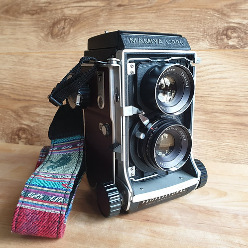 MAMIYA C220 6x6 TLR with 80mm f:3.7 Sekor lens Fully serviced and with Custom Re