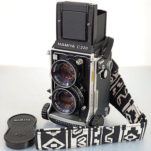 MAMIYA C220 6x6 TLR with 80mm f:2.8 blue dot Sekor lens.