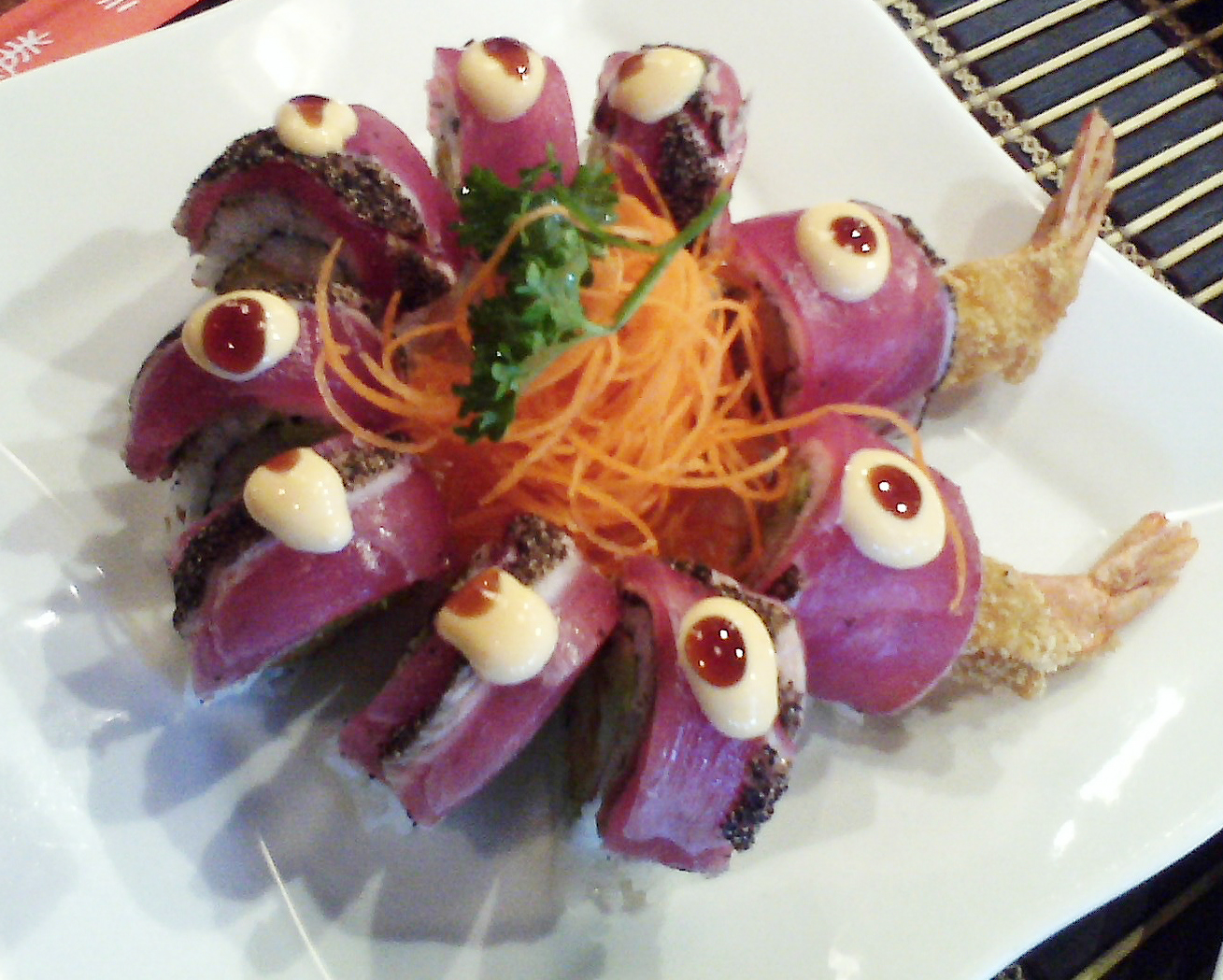 Black Pepper Tuna Roll