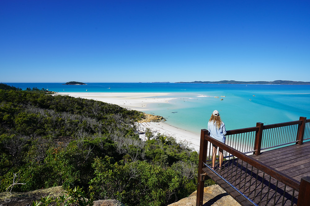 Day Trips in the Whitsundays beach lookout