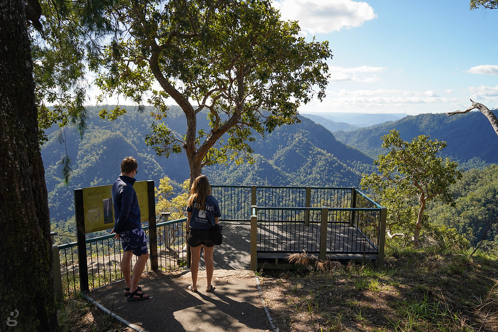 Wallaman Falls trail