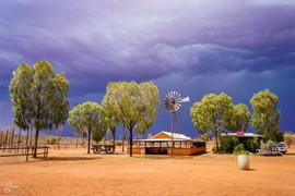 Uluru rainstorm-07042.jpg