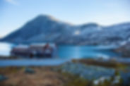 a-hotel-on-djupvatnet-lake-in-norway-PW3