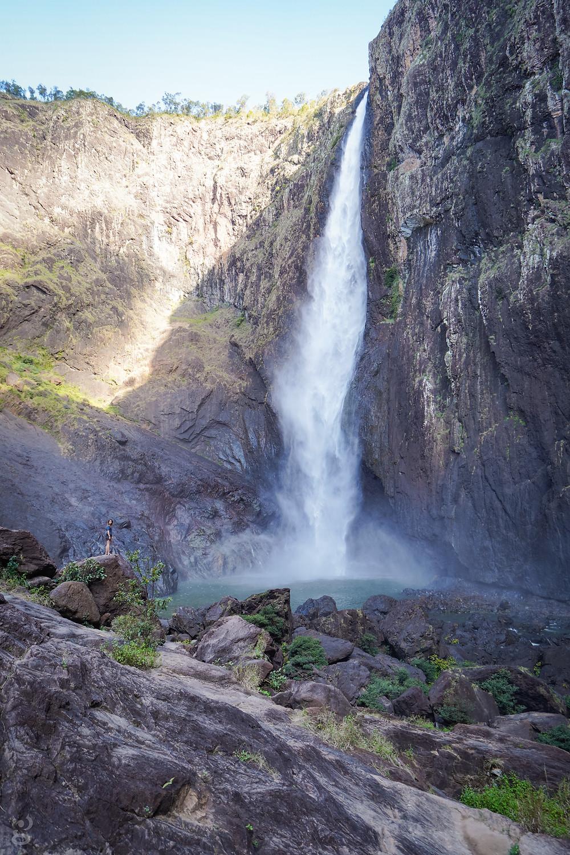 Wallaman Falls falling
