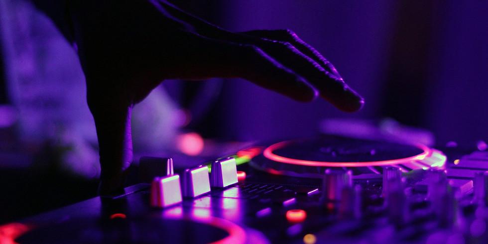 Live DJ: Chris Stout