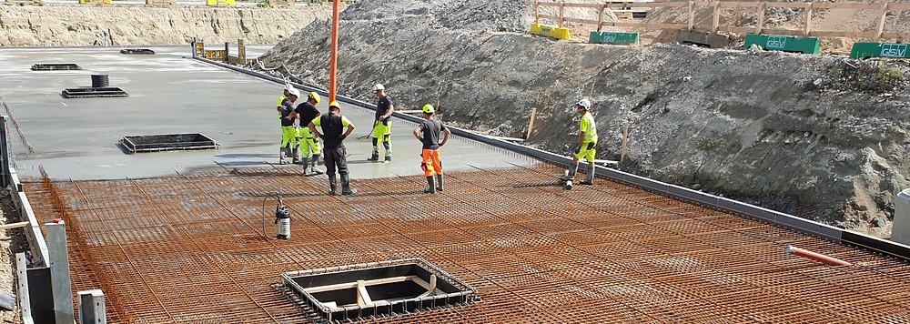 Concrete slab, pouring concrete, beton og armering