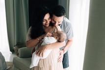 Dubai newborn photographer.jpg