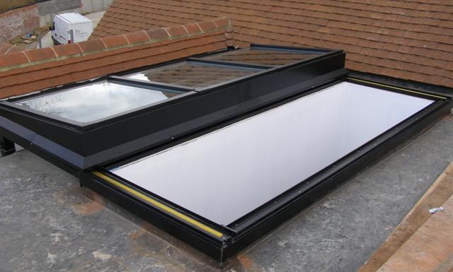 Zone-Fully-Retracting-Roof-Light-FI-VTN