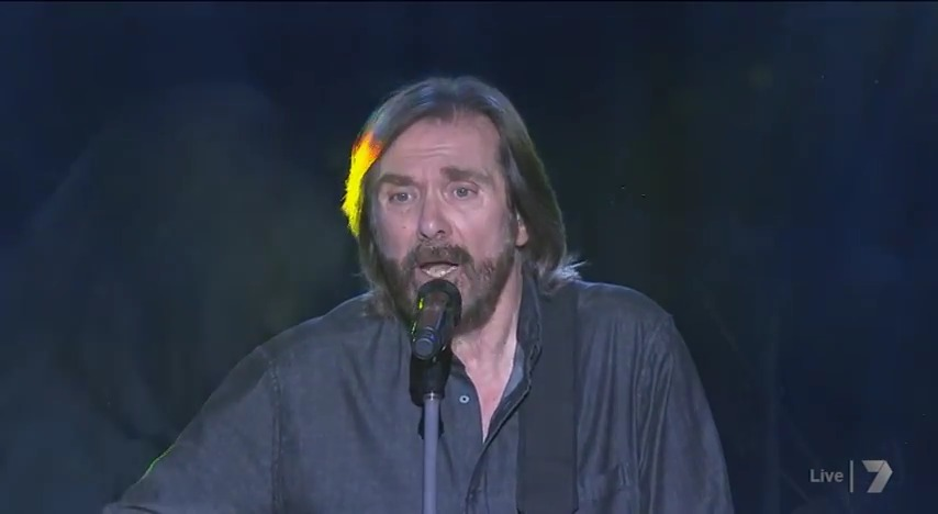 DENNIS LOCORRIERE presents DR HOOK™