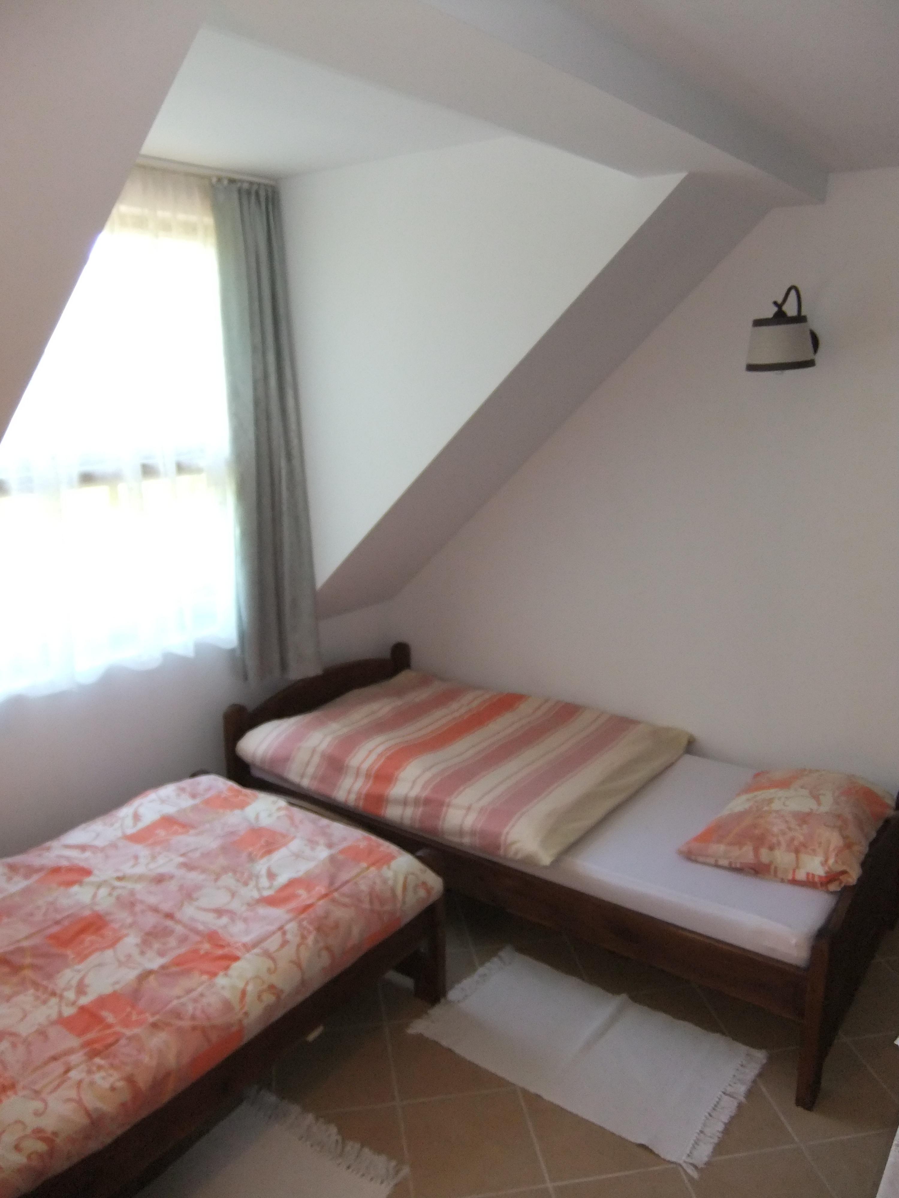 regular room 4b.jpg