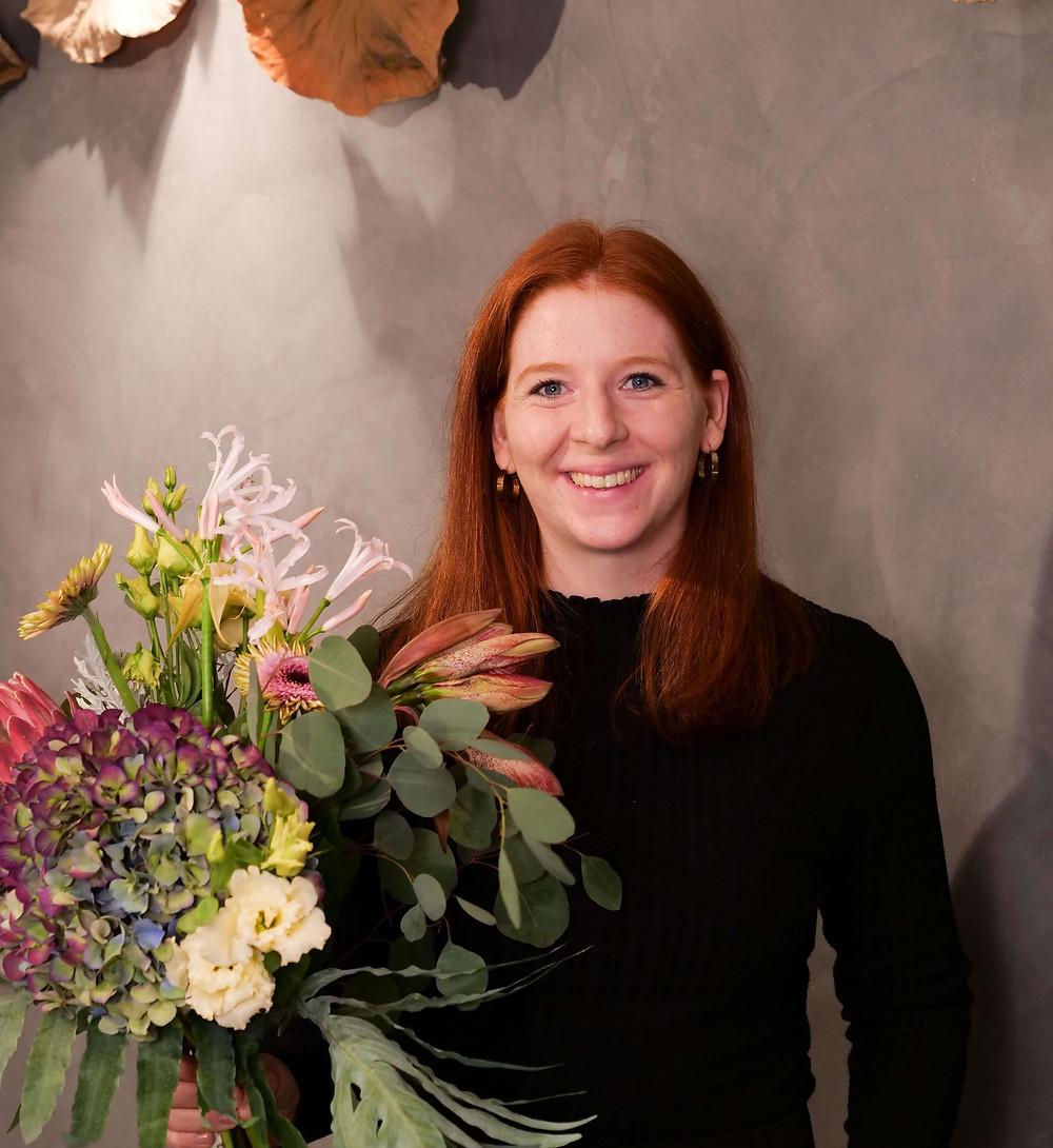 Hier ist Anna Gramsch zu sehen, sie ist Vizeschatzmeisterin des FDF LV Bayern. Ein neues Gesicht aus dem Vorstand, welches sich heute vorstellt