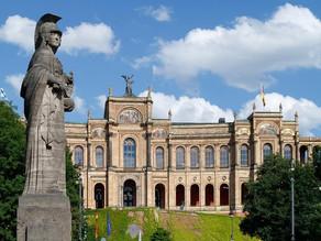 Bayerische Präsidentin Erni Salzinger-Nuener übergibt FDF-Positionspapier an Landtags-Abgeordnete
