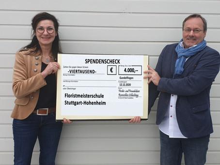 Förder- und Freundeskreis Rosenschloss Schlachtegg spendet 8.000 Euro