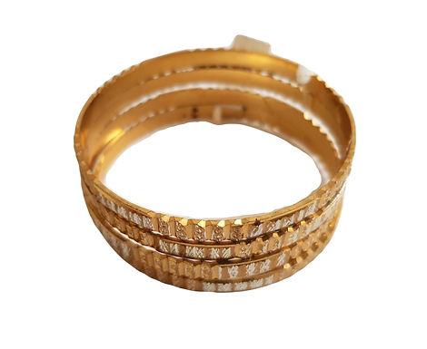 רביעיית צמידים בציפוי זהב עם חריטה  I קוטר 6.3