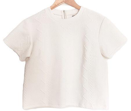 חולצה לבנה גאומטרית L I Almond