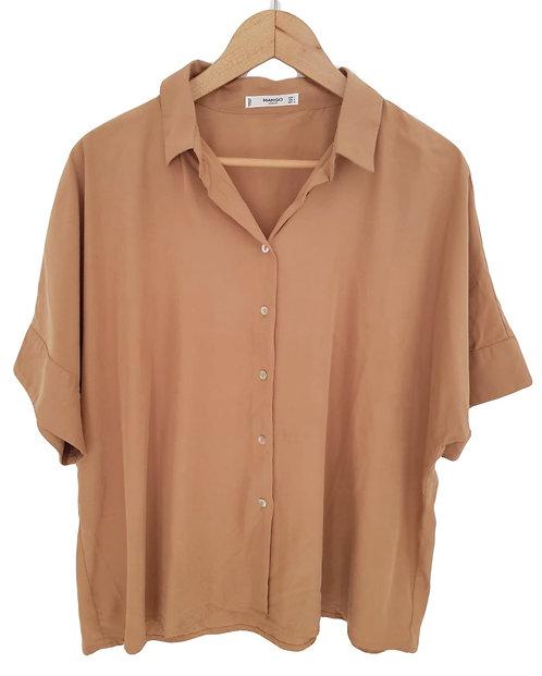 חולצת אוברסייז אדמה עם שרוולי עטלף L I MANGO