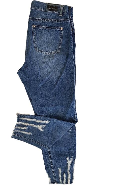 ג'ינס בגזרה מטריפה! M I TWEntyfourseven