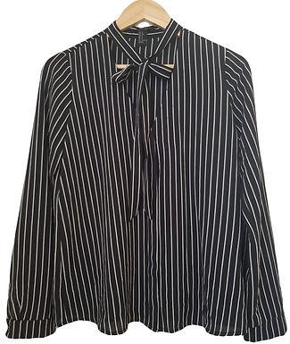 חולצת שיפון מכופתרת עם עניבה S   FOREVER 21
