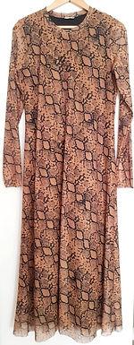 שמלת מקסי שיפון מנוחשת L I ZARA