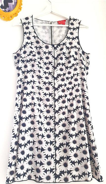 שמלת פרחים מונוכרום M I CASTRO