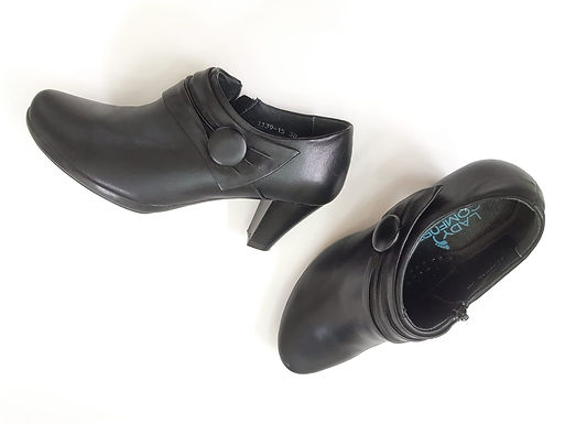 38 נעלי עקב רטרו LADY COMFORT I