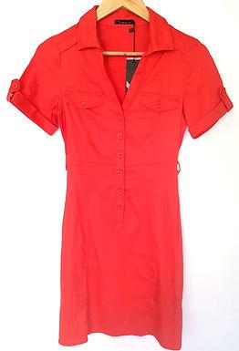 בשמלה אדומה ושתי צמות XS I RENUAR