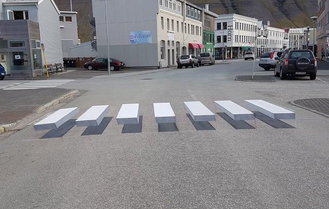 Faixa de pedestre pinta em 3D na Islândia (Foto: Facebook/Vegamálun GÍH)