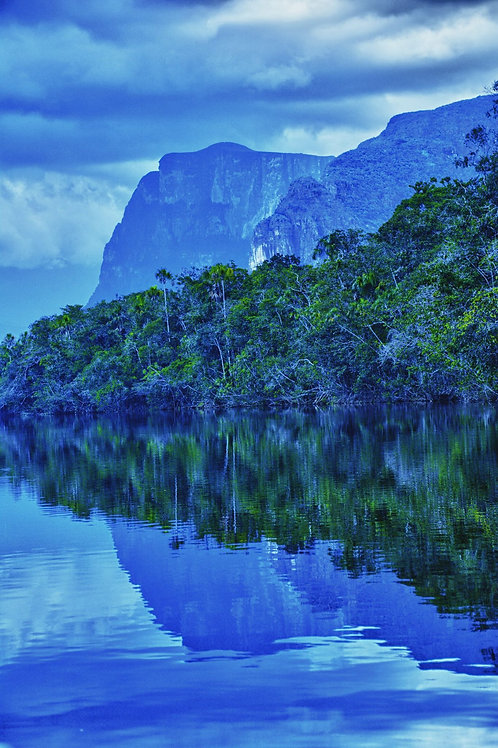 Lagoon of Canaima