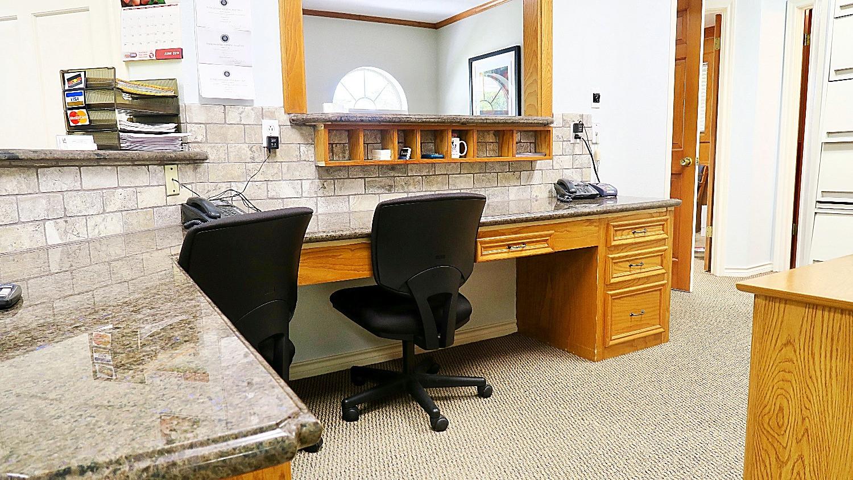Dennis My Dentist - Interior
