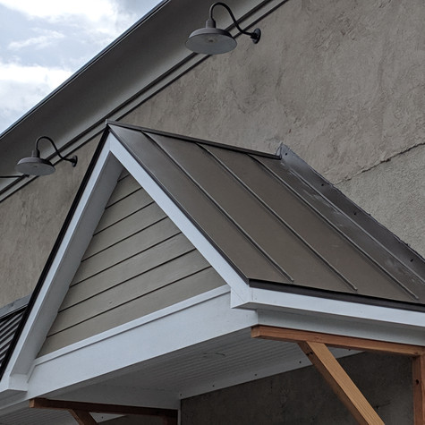 Standing Seam Metal Roof for the Wellnes