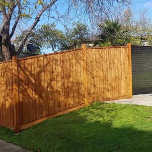 Paling Fence and Aluminium Sliding Gate
