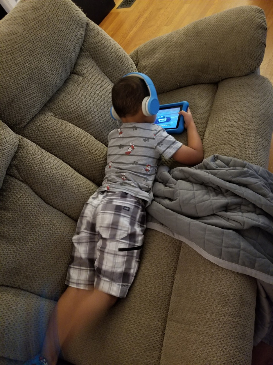 Why I'm A Bad Mom - I Let The Electronics Babysit My Kid