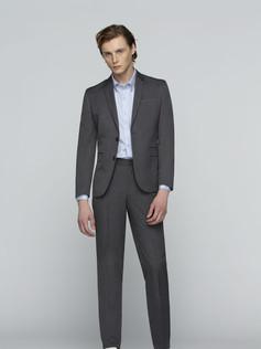 GQ_Essential-Wool-Suit.jpg