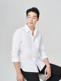 GQWhite Sitting Relaxed Untucked (1).jpg