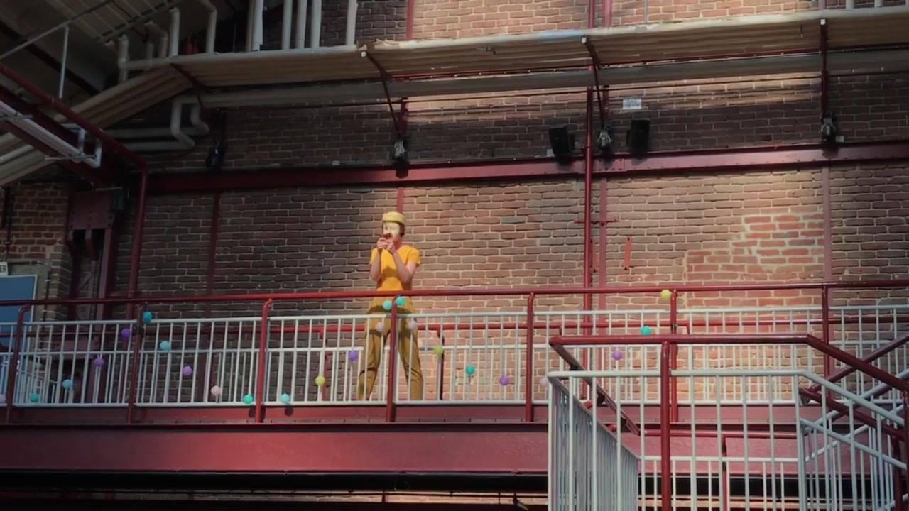 PERFORMANCE Nr. 2 Tag 1 - Pottfiction 2018  Premiere:  »Früher war alles schlechter als heute... außer der Zukunft«  Bochum | Herne - Junges Schauspielhaus Bochum Theater Kohlenpott  Eine dystopische Utopie in zehn Bildern  Arbeit begleitet uns ein L