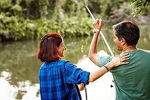 couple-fishing-in-the-jungle-PMXHWNR.jpg