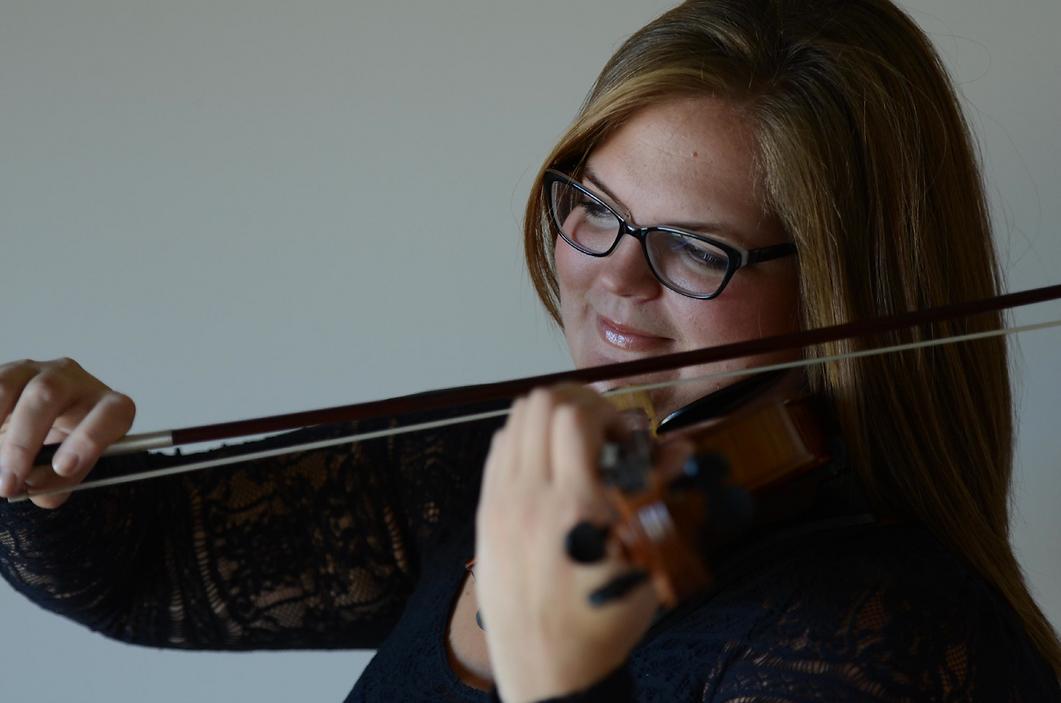 Rebekah Blackner violin