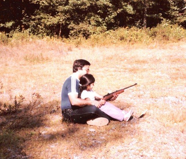 04 Teaching daughter to shoot