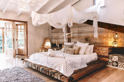 VILLA-Main-Bedroomclosed