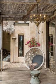 VILLA-Swing-Chair.jpg