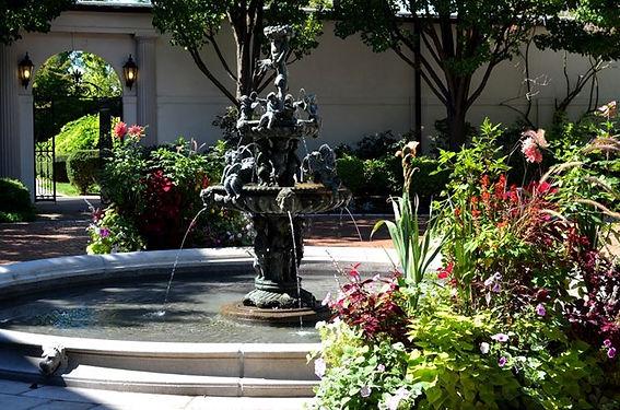 Fontana in Ghisa Ornamentale.jpg