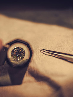 jeweler-during-the-evaluation-of-jewels-