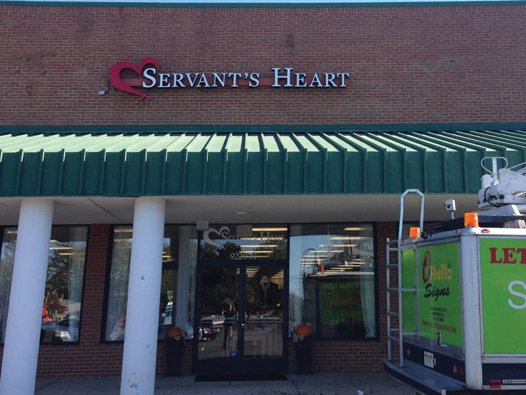 Servant's-Heart-Channel-letters-hello-si