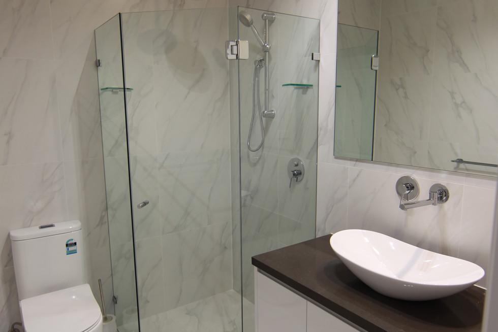Lower Ground bathroom.JPG
