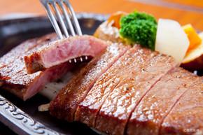 ⑤鹿児島黒牛(サーロインステーキ)