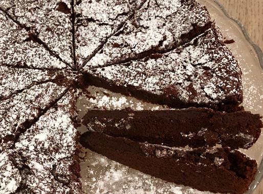 Torta tenerina al cioccolato fondente: light che si scioglie in bocca
