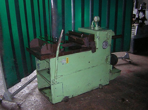 Mills 15ton Horz. Hydraulic Press