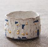 青色彩泥金彩茶碗