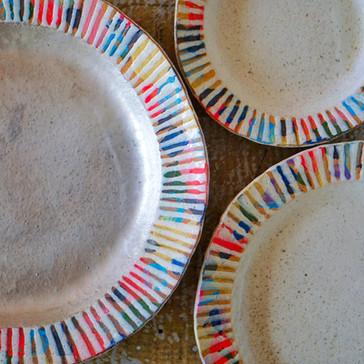 虹色彩泥リム皿